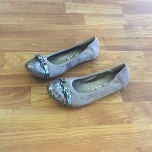 AGL Cap Toe Genuine Leather Ballerina Flats